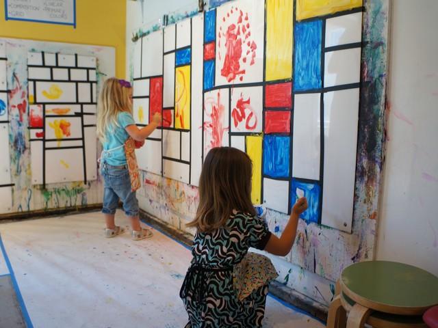 Mondrian24